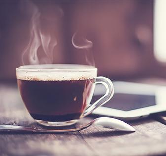 いつもより丁寧にお茶やコーヒーを淹れて、ゆっくり味わってみる。